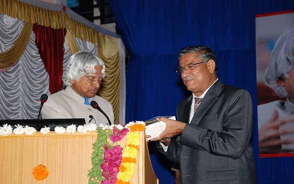 Dr. A P J Abdul Kalam donating books to the University