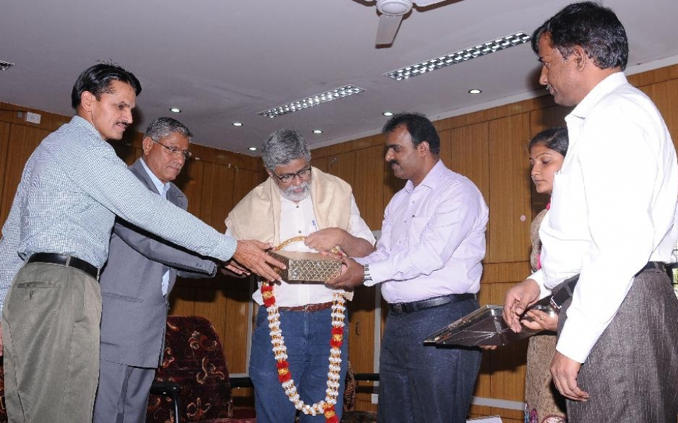 University Foundation Day Ceremony Inaugurated by Sri Bharath Lal Meena, IAS, Principal Secretary, Higher Education on 20 March 2015. Chief Guest Prof. Madhava Prasad who delivered Special Lecture was felicitated on the occasion.