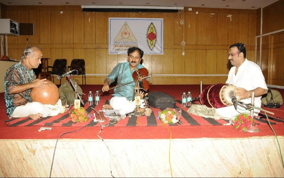 Violin Concert by Vidwan Lalgudi G J R Krishnan was organized by Department of Fine Arts, Tumkur University  on 22 July 2016